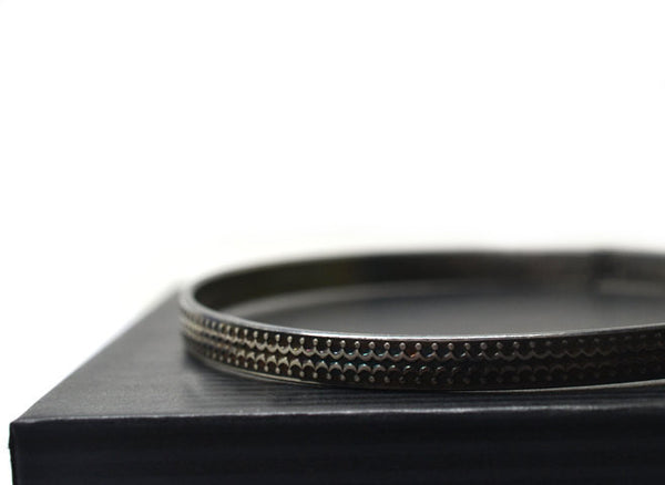 Oxidized Silver Crown Patterned Stacking Bangle