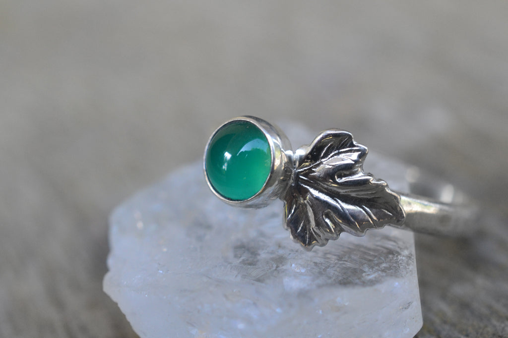 5mm Lab Emerald Berry & Silver Leaf ring