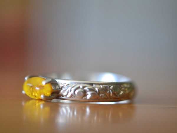 Natural Baltic Amber Gemstone Ring With Renaissance Style Band