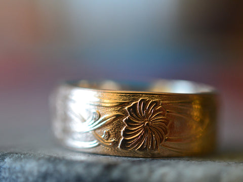Men's 14K Yellow Gold Art Nouveau Flower Wedding Band