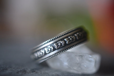 Men's Oxidised Silver Flower Wedding Band
