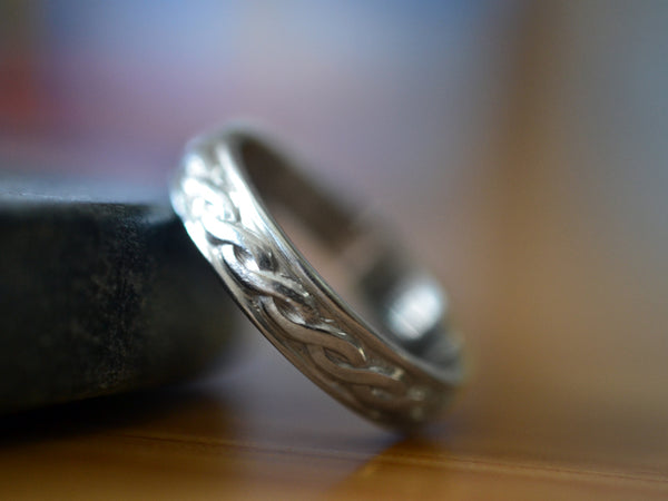 Men's Celtic Wedding Band in Sterling Silver