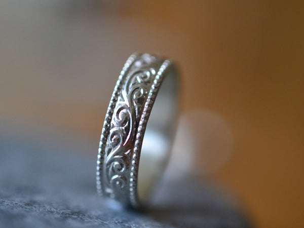 Men's Engravable Swirl Pattern Commitment Ring With Milgrain Effect