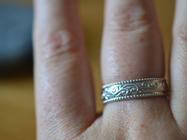 Men's Art Nouveau Style Swirl Marriage Ring in Sterling Silver