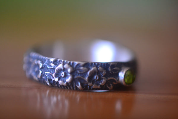 Natural Peridot Crystal Wedding Band With Wild Rose Design