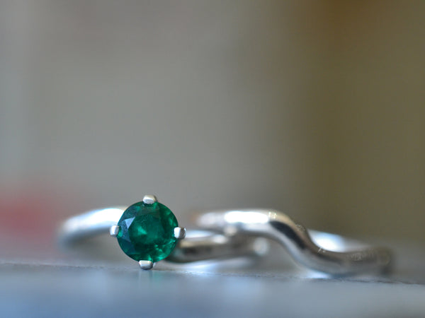 Simple Emerald Bridal Ring Set in Sterling Silver
