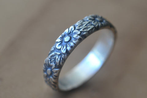 Mens Oxidised Silver Daisy Wedding Band