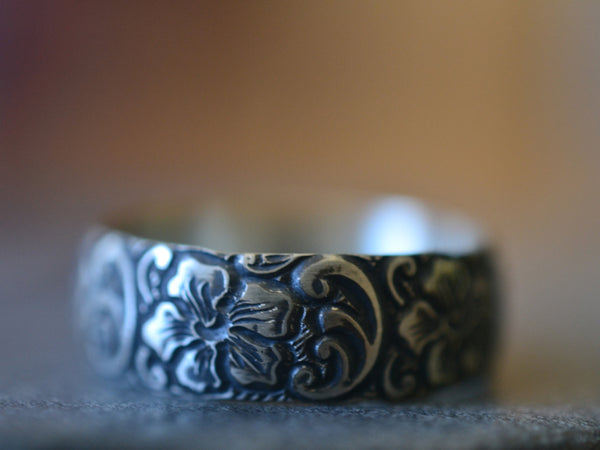 Men's Oxidised Silver Hibiscus Flower Wedding Ring