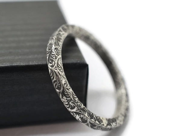 Oxidized Feather Plume Pattern Square Wire Ring