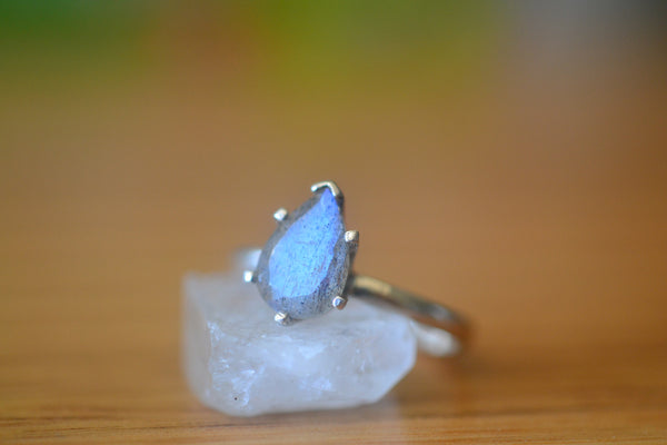 Women's Simple Engagement Ring With Labradorite