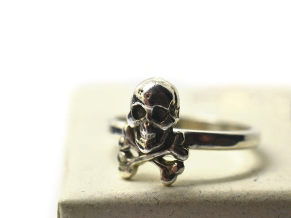 Sterling Silver Pirate Skull & Crossbones Charm Ring