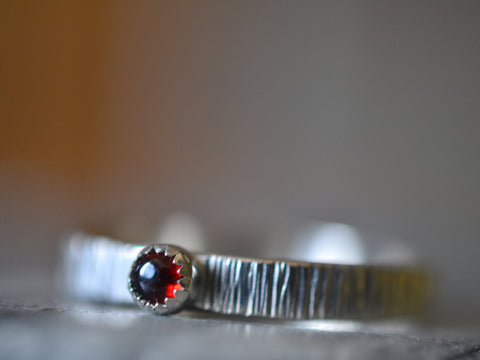 Rustic Hammered Sterling Silver Band With Tiny 3mm Garnet