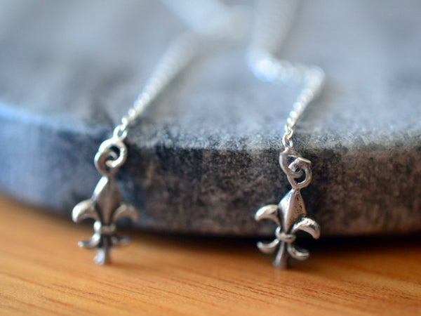 Simple Sterling Silver Fleur De Lis Ear Threads With Cable Chain