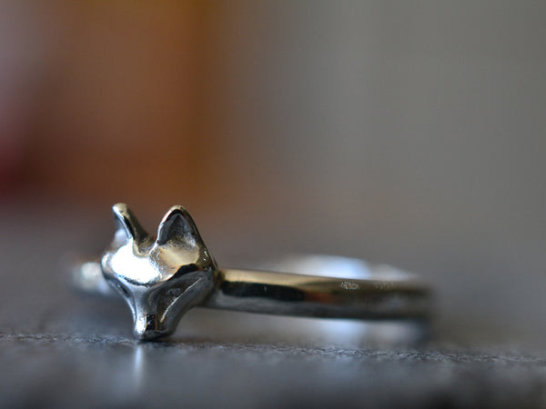 Sterling Silver Fox Ring With 2mm Hammered Band