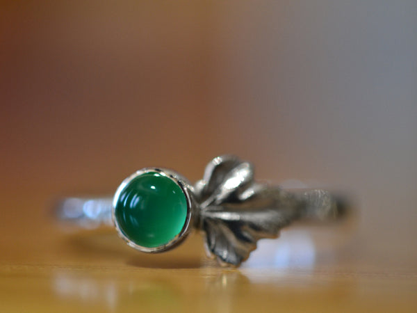 Women's Sterling Silver Leaf & Emerald Ring