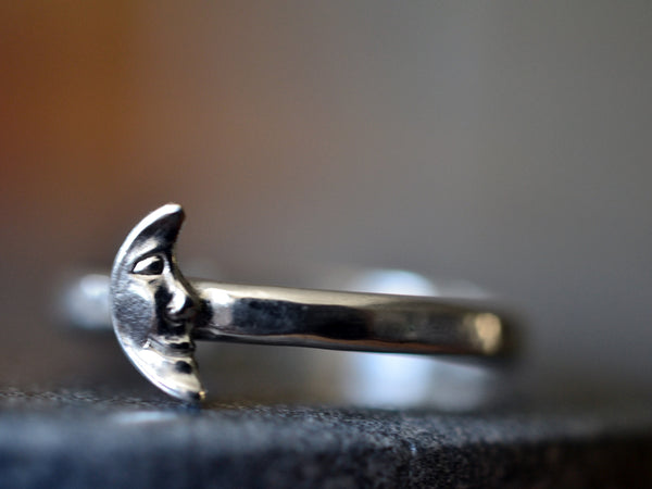 Sterling Silver Man in the Moon Ring with Engraving