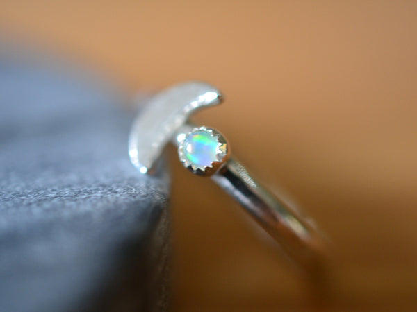 3mm Ethiopian Opal & Crescent Moon Ring in Silver