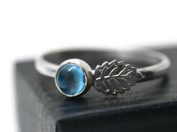 5mm Swiss Blue Topaz & Silver Leaf Ring