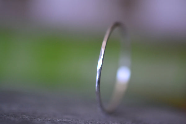 Handforged 1mm Hammered 14K White Gold Thread Ring