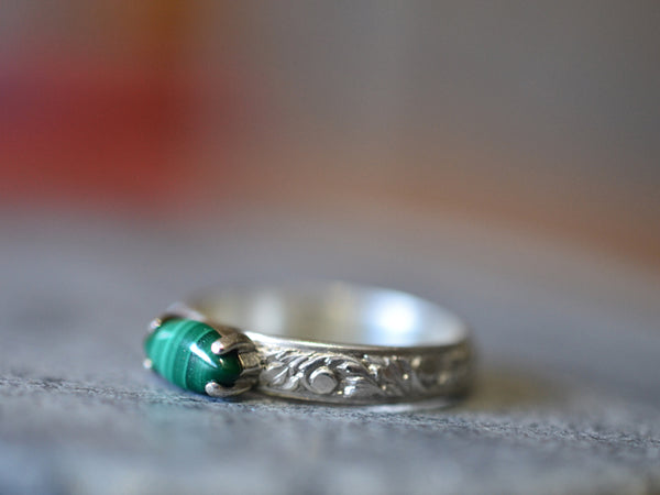 Ornate Flower Patterned Sterling Silver Ring With Natural Malachite