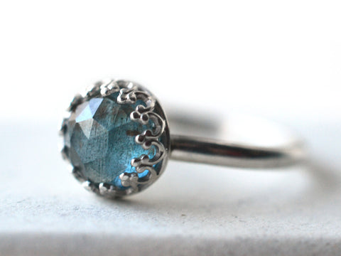 Simple Moss Aquamarine Ring in Sterling Silver