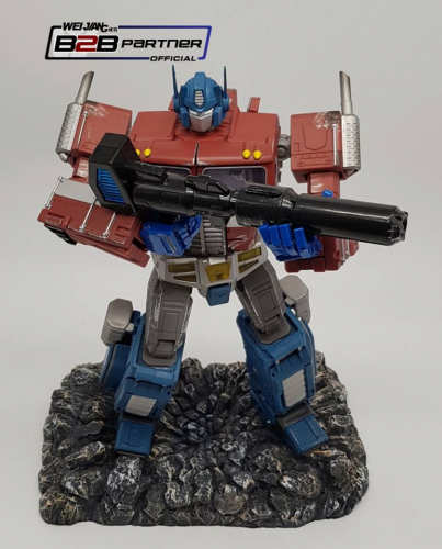 Weijiang WJ MPP10 Commander Optimus Prime Battle Damaged Oversized MP-10 Limited Edition w/ Custom Display Base