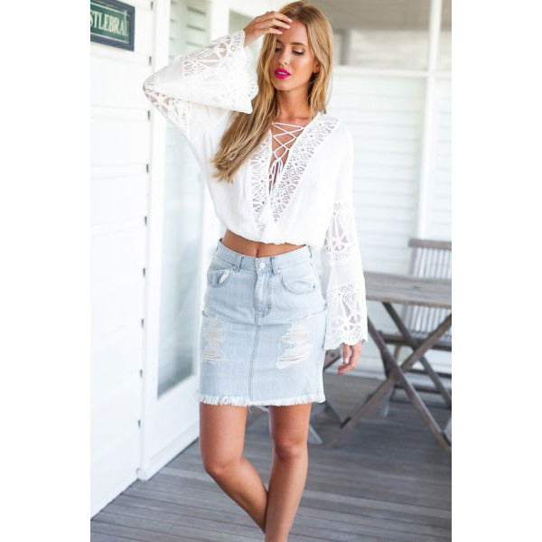 White Flared Sleeves Lace-Up Crop Top LAVELIQ - LAVELIQ - 3