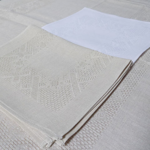 White and natural Etamine Irish linen placemats