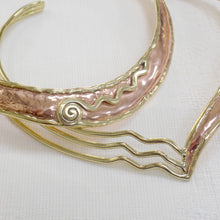 Load image into Gallery viewer, Two Tone Copper Wave Torc