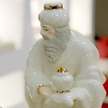 Load image into Gallery viewer, Belleek Three Kings