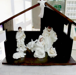 Belleek Nativity Set/Crib Scene with Stable