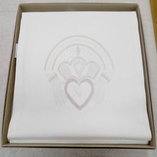 Load image into Gallery viewer, Gold Claddagh design linen runner