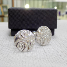 Load image into Gallery viewer, Celtic style pewter cufflinks