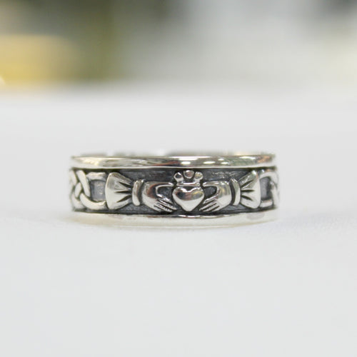 Large or mens size sterling silver claddagh band