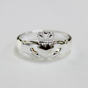 Classic Sterling Silver Claddagh Ring