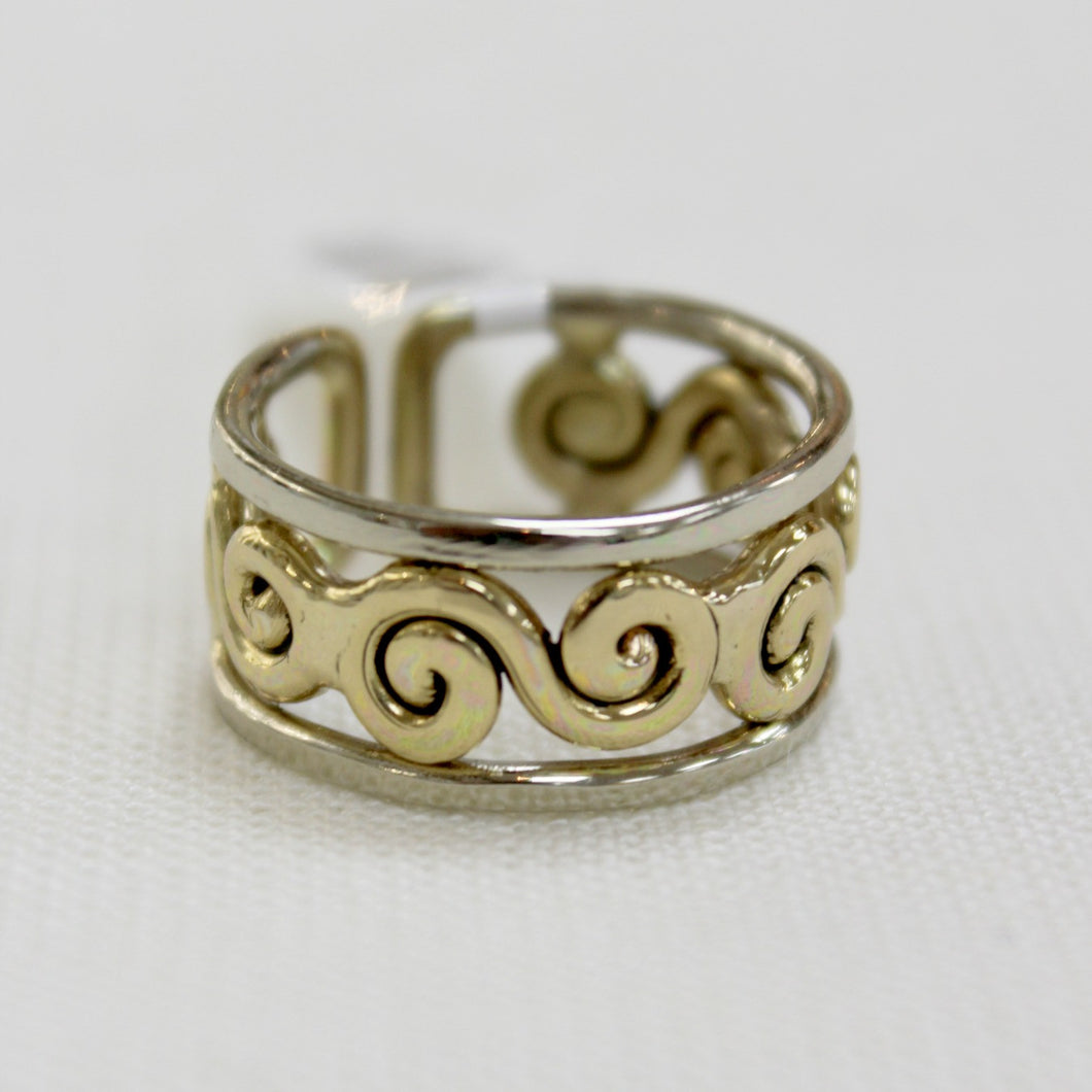 Grange ring with swirl design