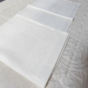 "Damask Irish Linen Placemat - ""Colmcille"", White"