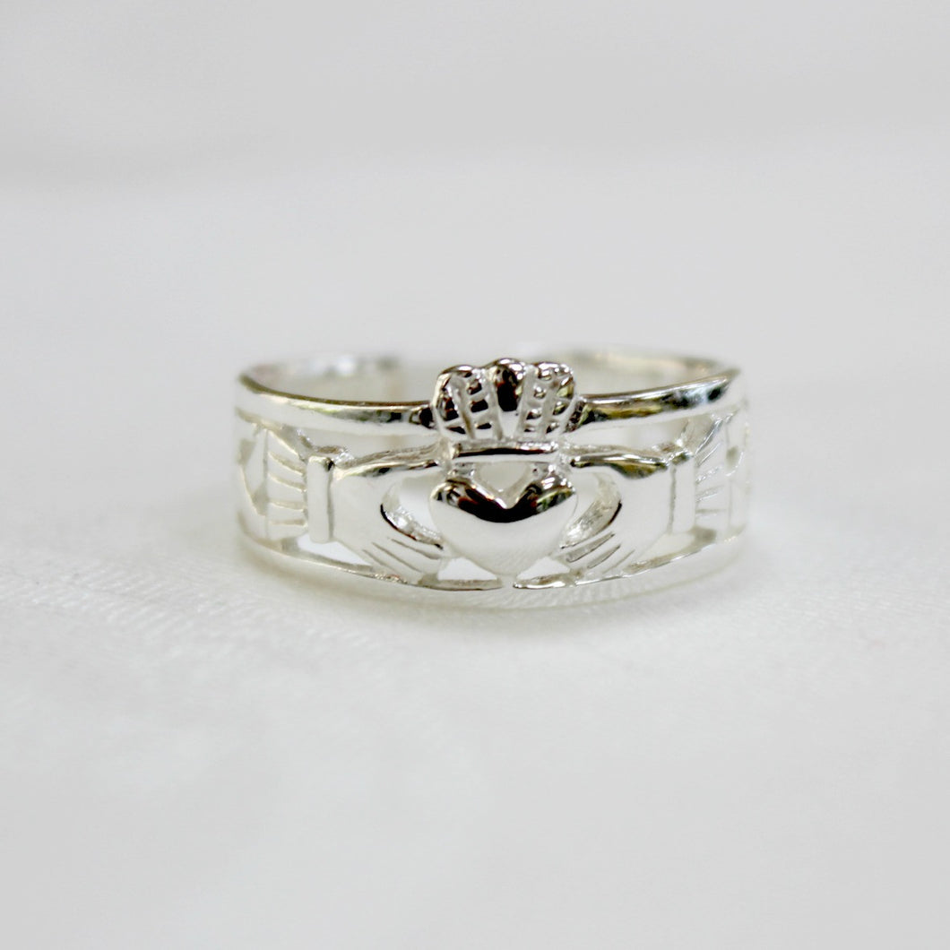 Sterling silver Claddagh band ring