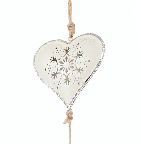 Hanging heart garland - close up