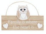 Woody Owl, Family is where the heart is, hanging sign