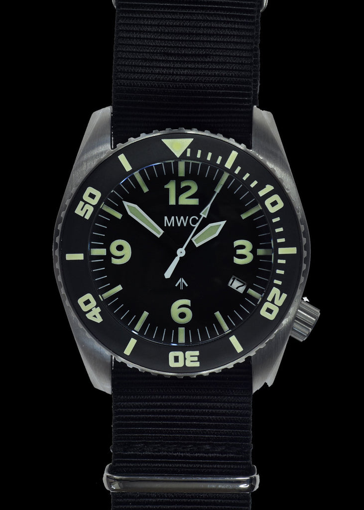 "MWC ""Depthmaster"" 100atm / 3,280ft / 1000m Water Resistant Military Divers Watch in Stainless Steel Case with Helium Valve (Quartz))"