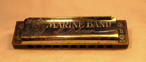 Pre-War Marine Band in D - Black Corian Comb