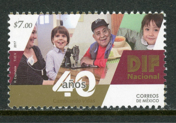 Mexico Scott #3076 MNH Family Development $$