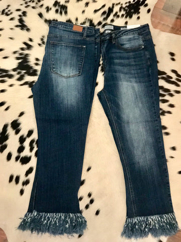 Cropped Fray Jeans PLUS - Sophie's Boutique