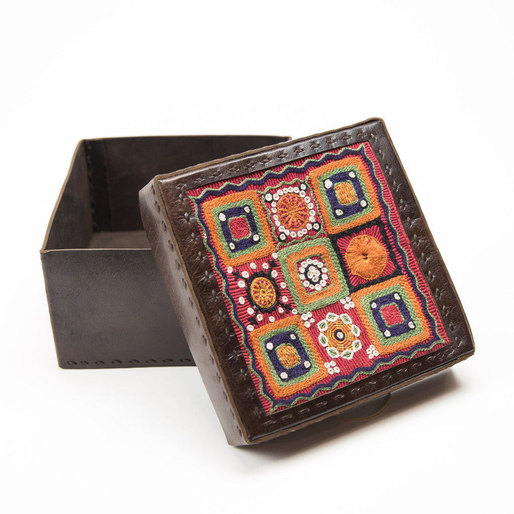 Banjara Embroidery - Brown Leather Box - Pattern 9