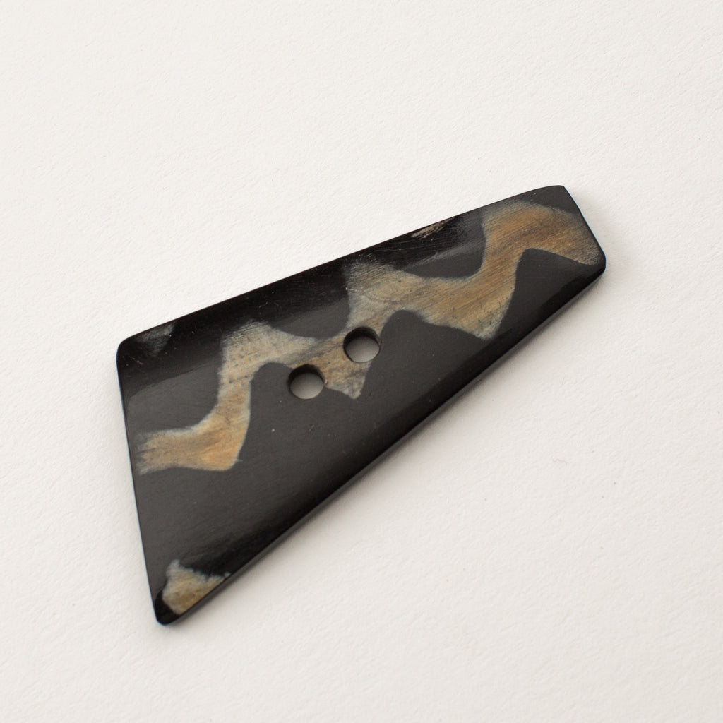 Zig Zag Irregular Triangle Button - Horn