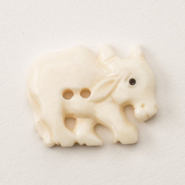Button - Bone Bull