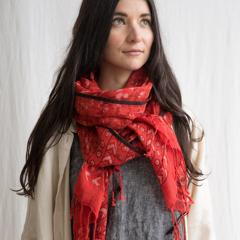 Linen Dabu Scarf - Rouge