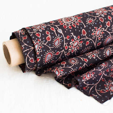 Fabric - Organic Cotton Block Printed with Natural Dyes - Heart Vine Design Black Background
