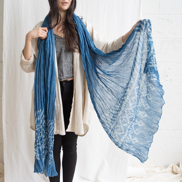 Organic Crinkle Cotton scarf - Light Indigo Bandhani